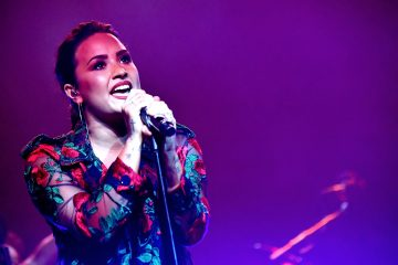 Demi Lovato Teases New Song