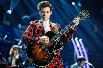 Harry Styles Thanks Fans for Their Support this Year