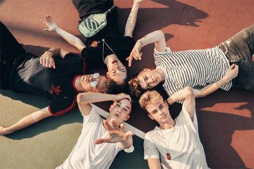 Quiz: Finish the Lyrics – 'Kiss You This Christmas' by Why Don't We