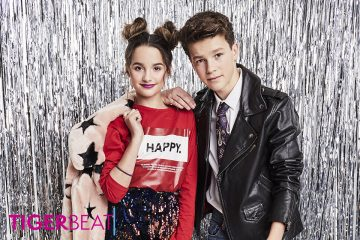 Hayden Summerall and Annie LeBlanc Pick Up Their Copy of Our Jan/Feb Issue