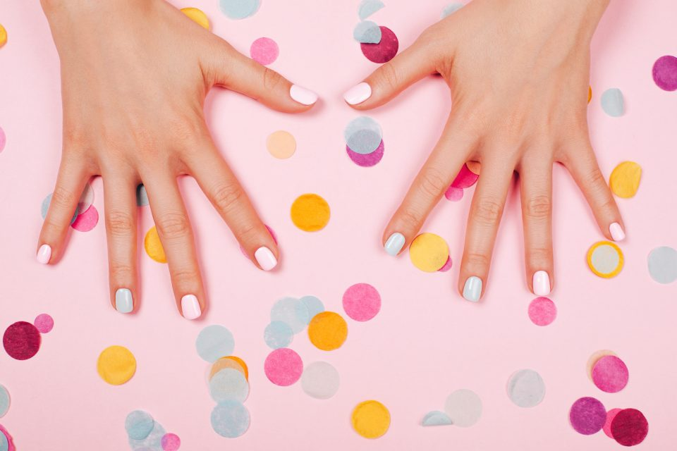 Quiz: What is the Perfect Holiday Mani for Your Zodiac Sign?