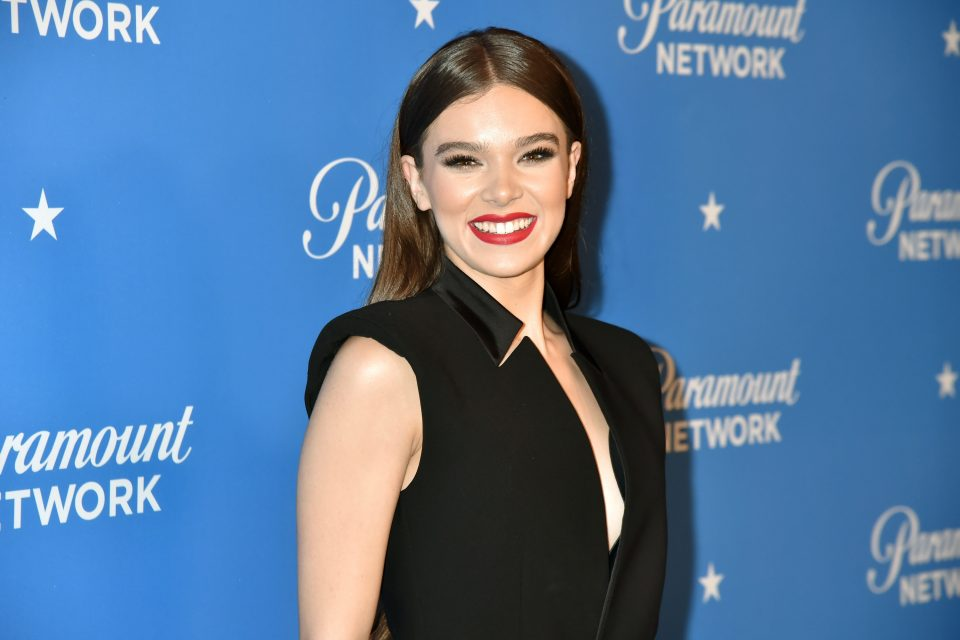 Hailee Steinfeld Opens Up About Niall Horan Dating Rumors