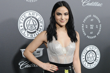 Camila Mendes Talks Veronica's Signature Hairstyle