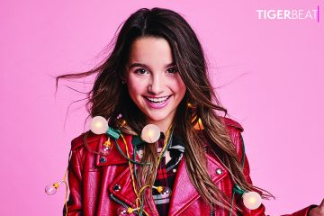 Annie LeBlanc Wins Big at the Shorty Awards