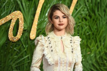 Selena Gomez Gives Fans a Sneak Peak of her Second Coach Campaign
