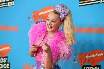 JoJo Siwa Announces New Book 'JoJo Loves Bow Bow'