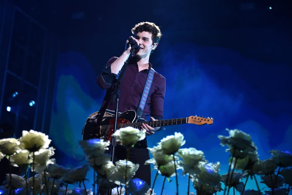 Shawn Mendes Performs 'Like To Be You' with Julia Michaels
