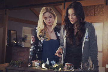'PLL: The Perfectionists' Showrunner Spills on Possible Emison Reunion