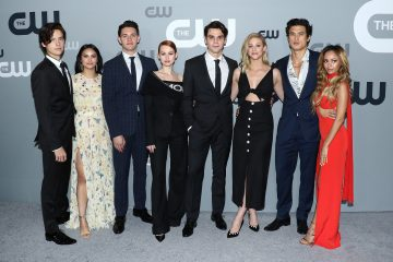 Pics: The 'Riverdale' Cast Kicks Off Season 4 Production