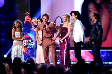 'Riverdale' Cast and More Win Big at 2018 Teen Choice Awards: See Full List