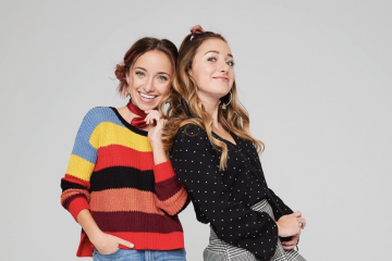Brooklyn and Bailey Team Up With Friends For An Epic Holiday Season Rap Battle