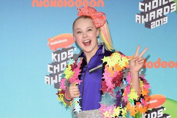 JoJo Siwa Stuns in Hot Pink at 'JoJo's Dream Birthday' Sweet 16 Bash