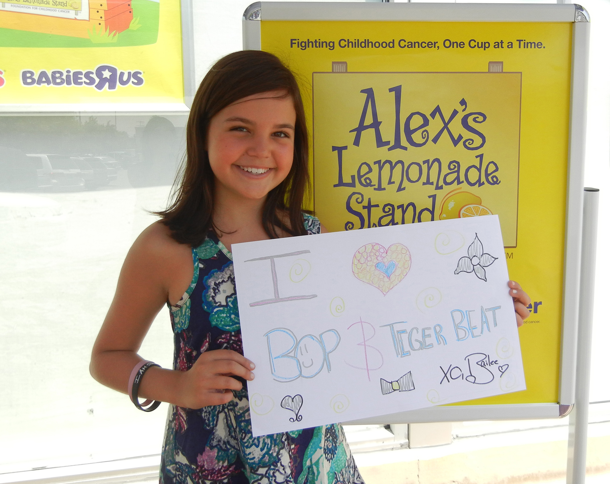 Toys R Us Lemonade Stand : Bailee madison supports alex ™s lemonade stand to fight