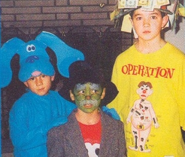 ok we know that halloween isnt for another month but we just had to show you this picture today its our favorite trio of brothers nick kevin and joe - Joe Jonas Halloween