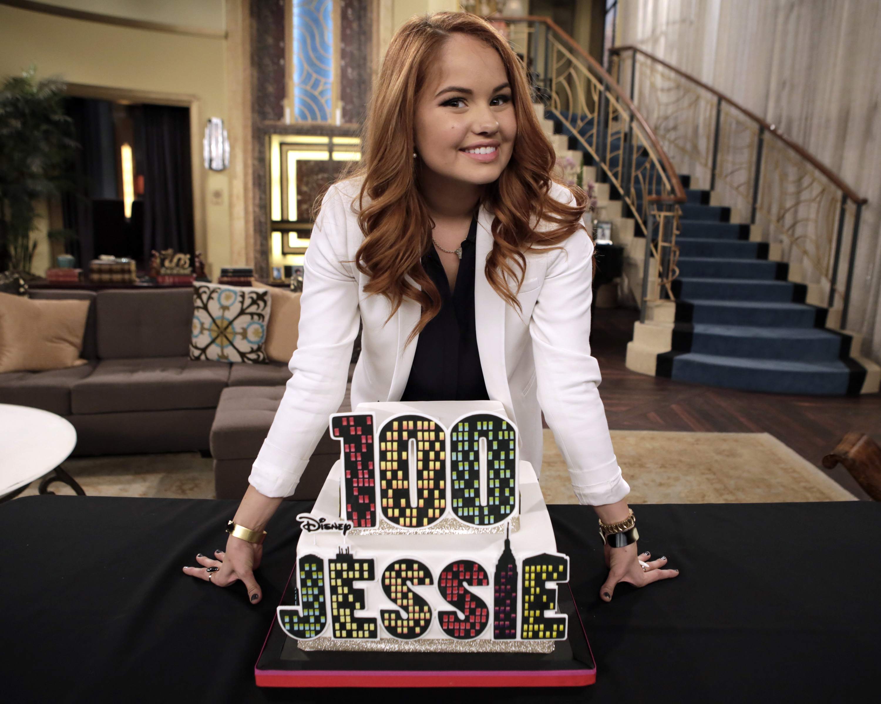 "Congrats! ""Jessie"" Tapes Their 100th Episode!"