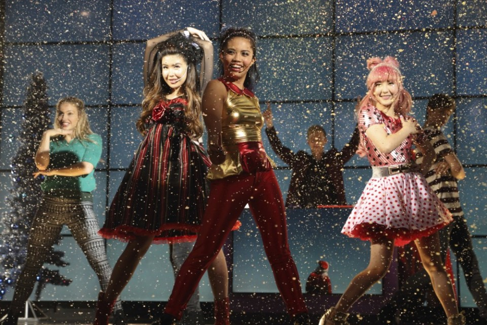 Get Excited for Season 2 of <em>Make It Pop</em> With a Festive Holiday Special!
