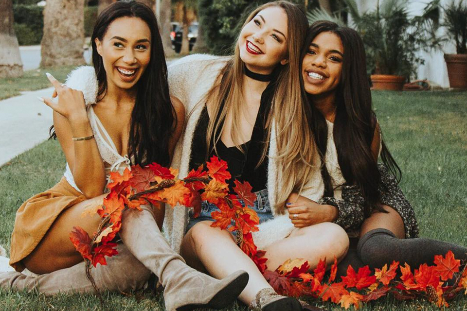 6 Instagram Photos To Recreate This Fall