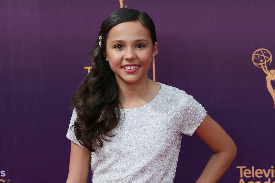 Breanna Yde Covers Ed Sheeran's 'Castle on the Hill'