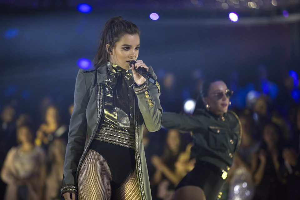 Quiz: Finish the Lyric – 'Let Me Go' by Hailee Steinfeld