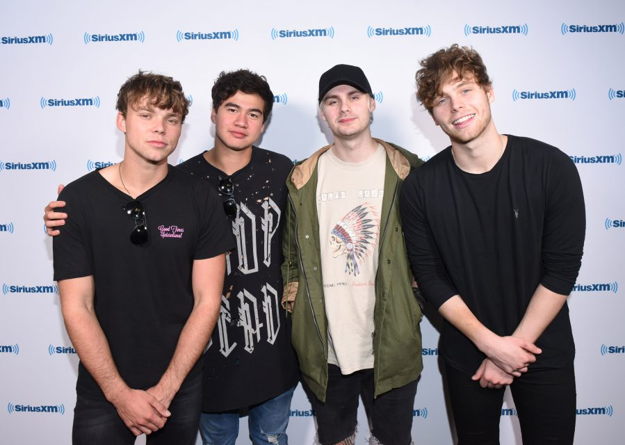 8 Fans React To The 5 Seconds of Summer Comeback