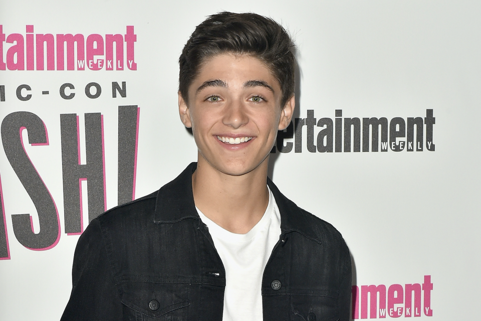 Asher Angel Dances the Night Away with Annie LeBlanc in 'Chemistry' Music Video