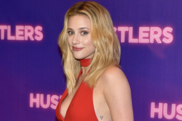 Lili Reinhart Unveils the Cover of Her New Book 'Swimming Lessons'