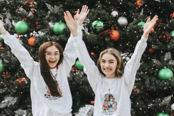 Pics: Anna Cathcart, Lauren Orlando & More Wish Fans a Merry Christmas