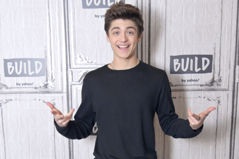 Quiz: Do You Know the Lyrics to 'Chills' by Asher Angel
