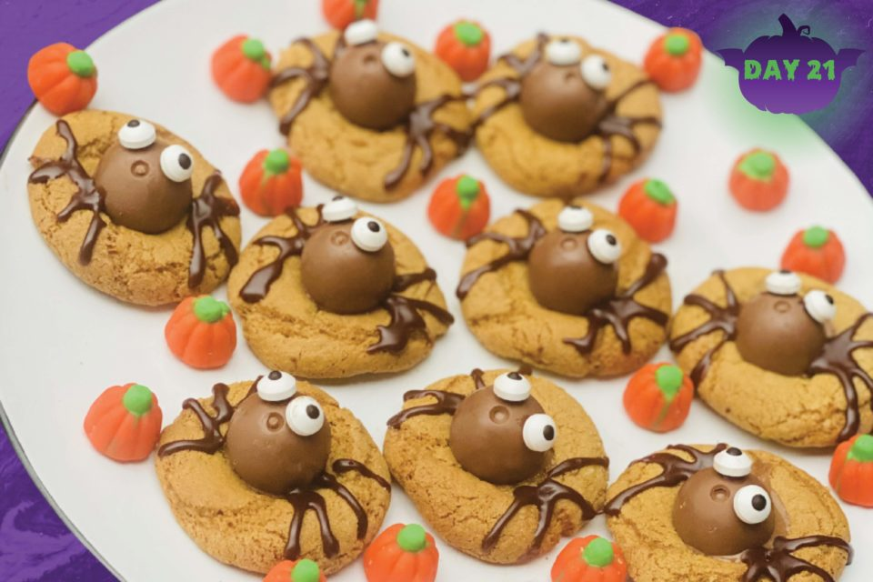 Recipe: How To Make Spookily Sweet Spider Cookies This Halloween