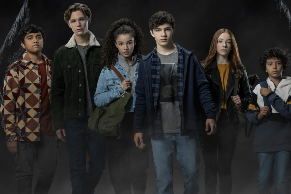 Watch: The Cast Of 'Are You Afraid Of The Dark? Curse Of The Shadows' Shares Spooky On-Set Mysteries & More