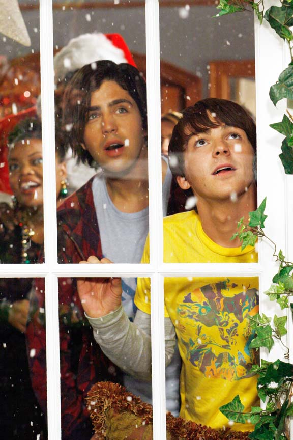 Drake And Josh Christmas Movie Cast.Exclusive Look At Drake Josh S After Party Tigerbeat