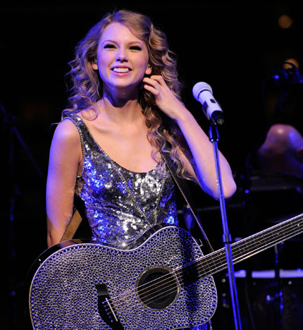 Taylor Swift Announces Speak Now World Tour 2011 Tigerbeat